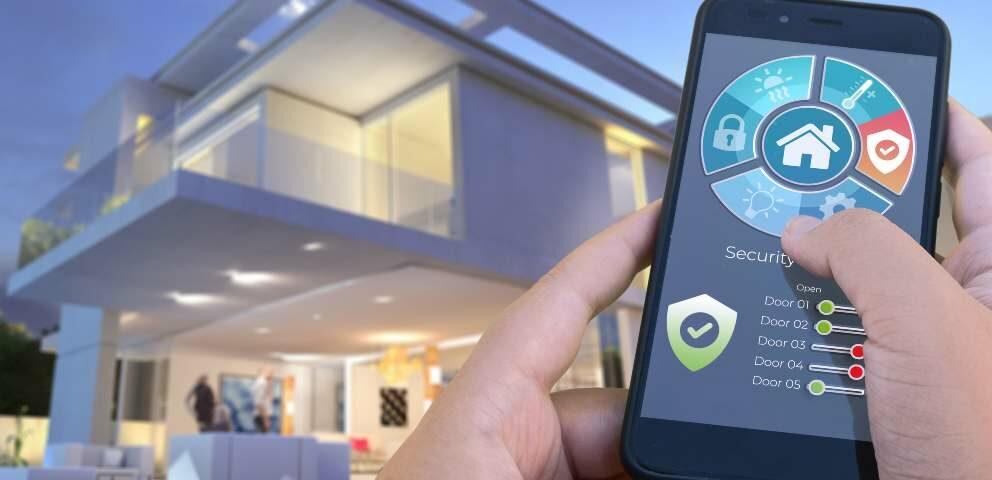 Dom z alarmem sterowanym smartfonem